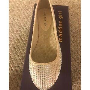 Size 9  Madden Girl Tazorr Flats